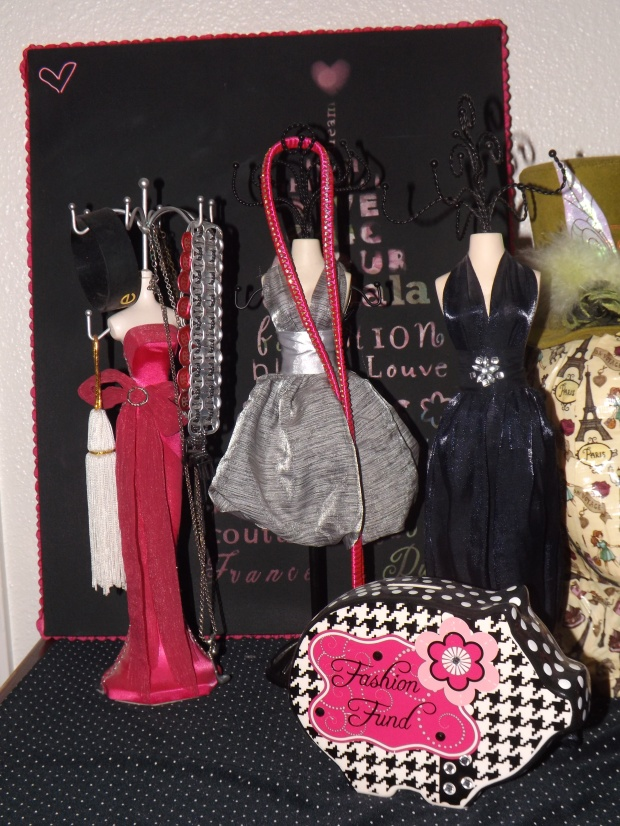 Mannequins/Jewelry Holders