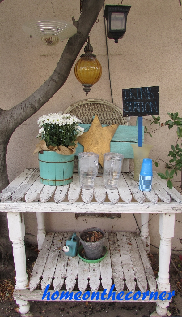 Potting table/drink station