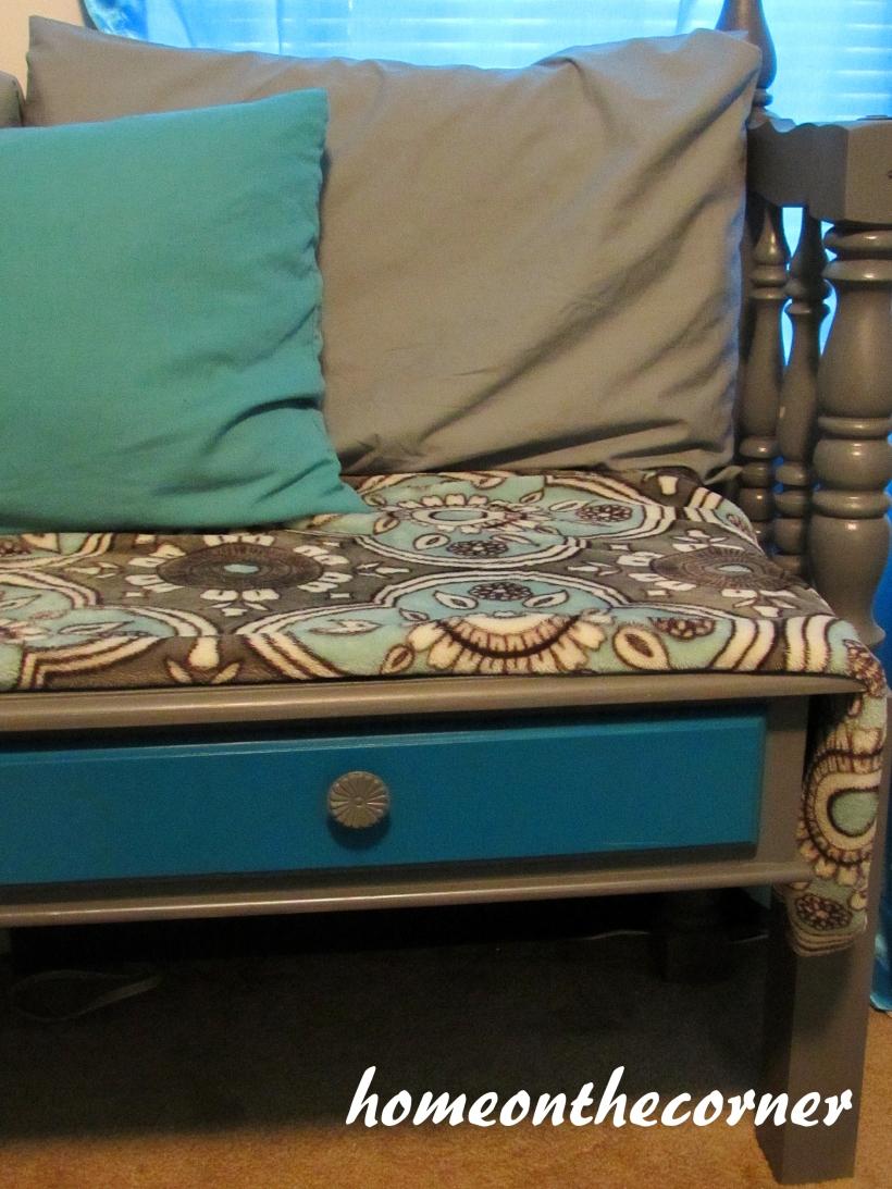bed turnd bench