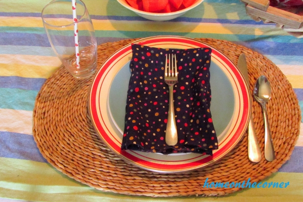 july tablescape placesetting