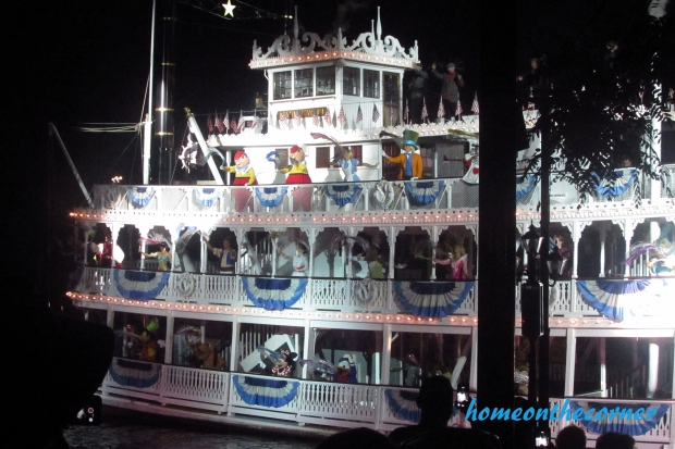 Mark Twain Boat Disneyland