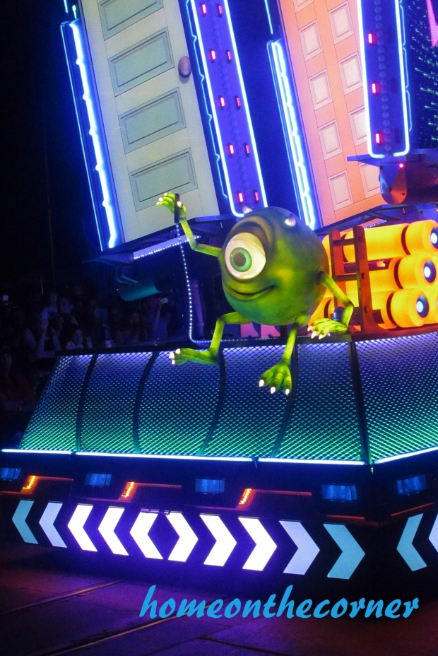 Mike Wazowzki Paint the Night