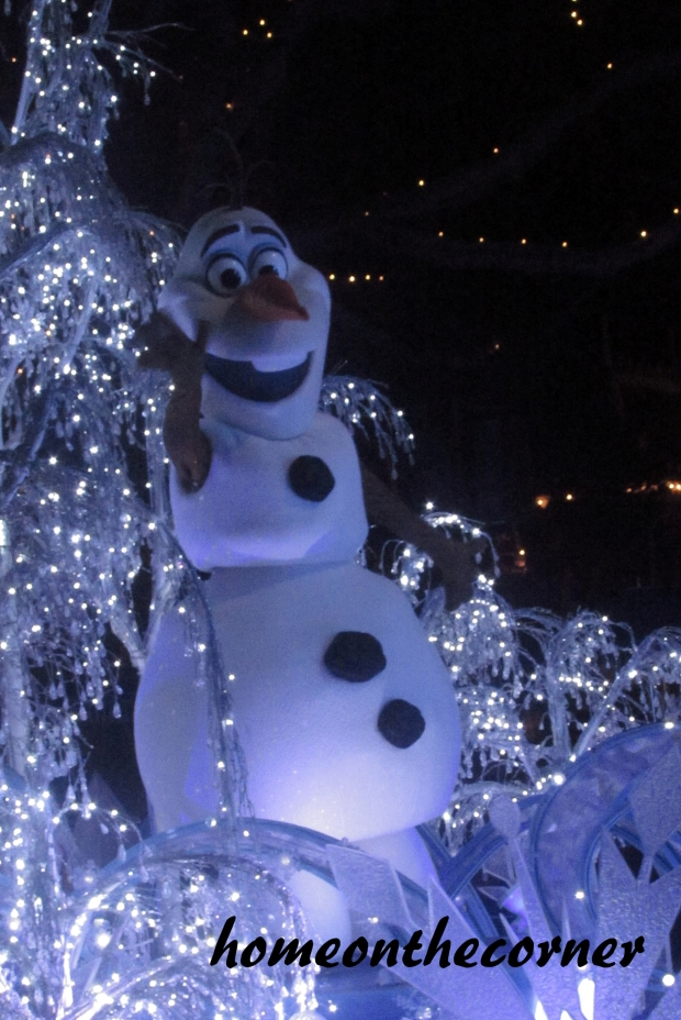 Olaf Paint the Night