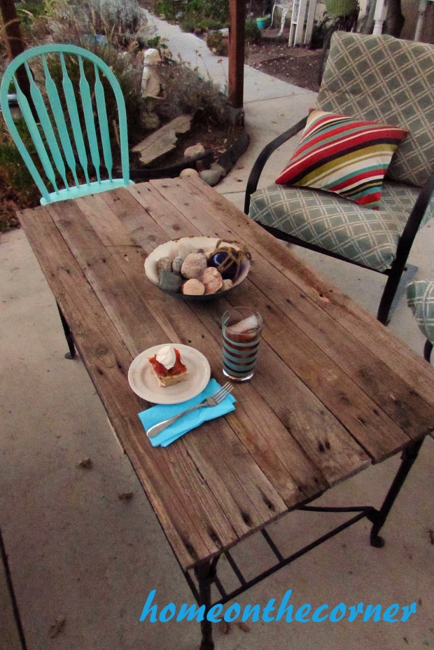 deck pallet coffee table