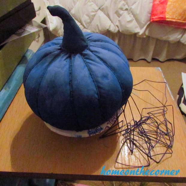 Small fabric pumpkin makeover string