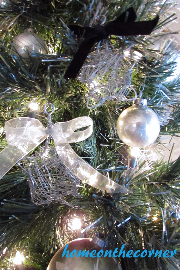 star wire ornament on tree