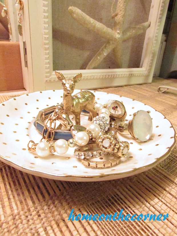 finds and fashion gold deer jewelry holder