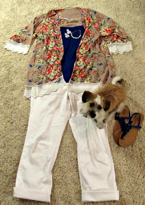 finds and fashions tan kimono floral jacket and white jeans