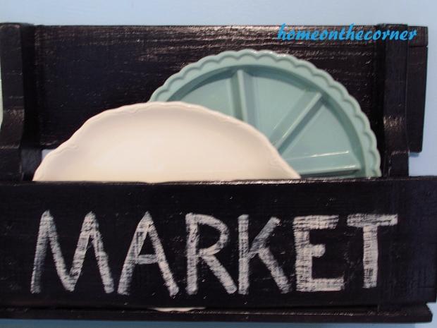 pallet market plate holder