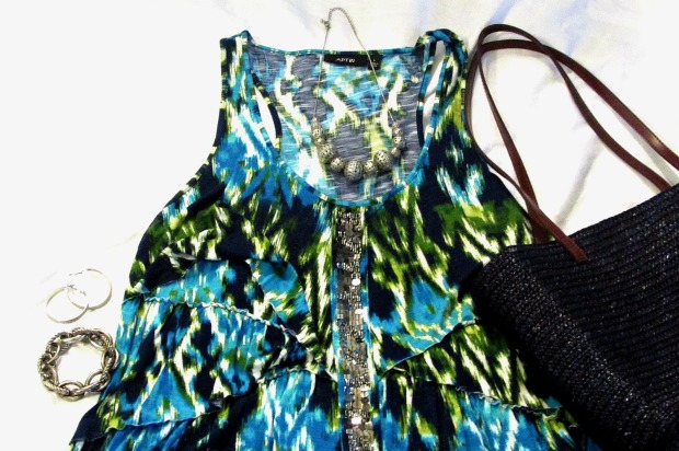 turquoise fashions print top silver jewelry