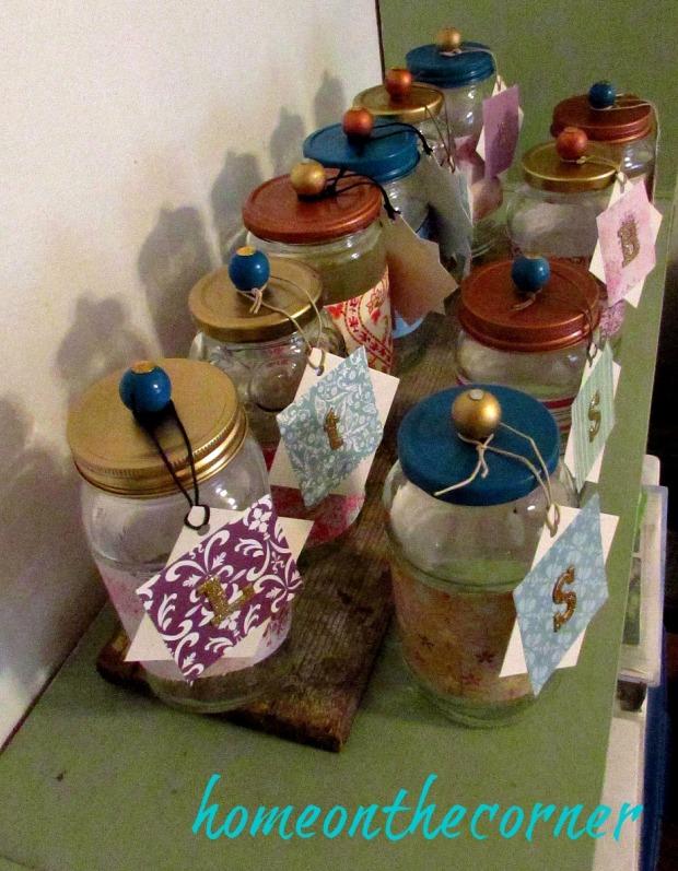 christmas jars with tags and lids