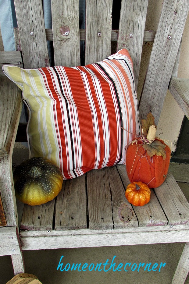 fall-front-porch-pillow-and-pumpkins-2016