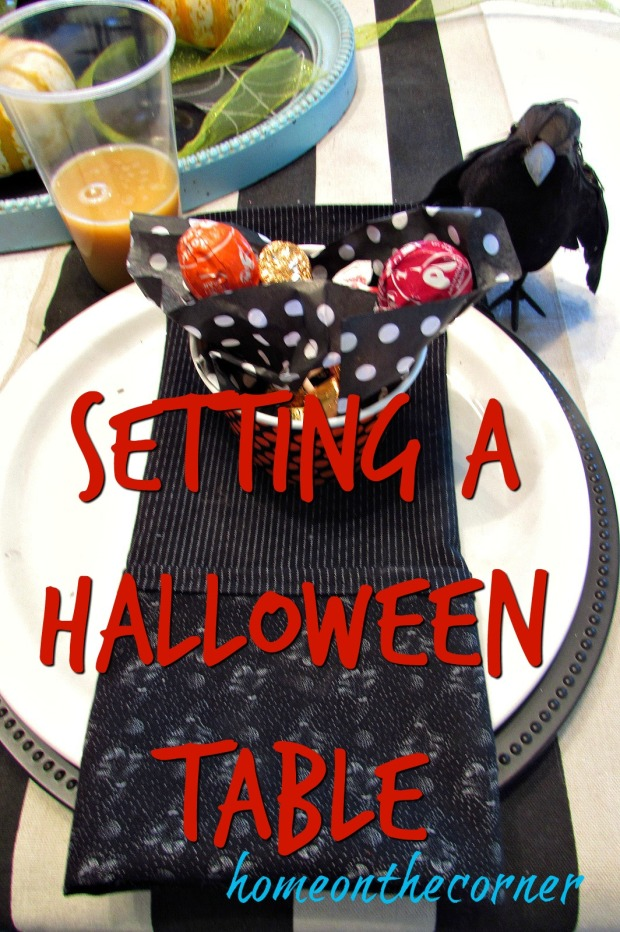 halloween-table-black-placesetting-title