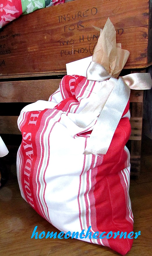 drawstring-dishtowel-gift-bag-happy-holiday