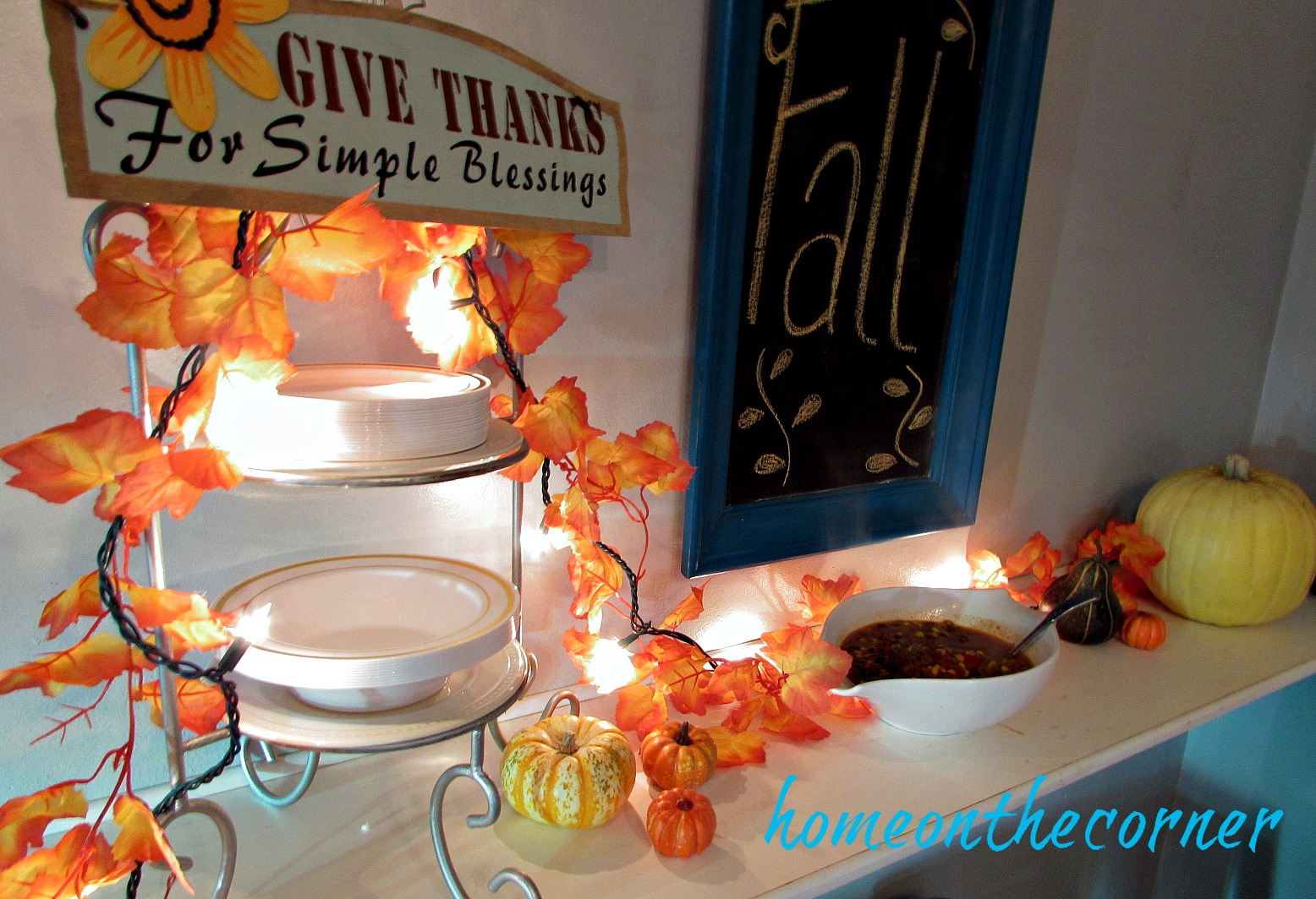 fall-2016-leaf-garland-soup-buffet