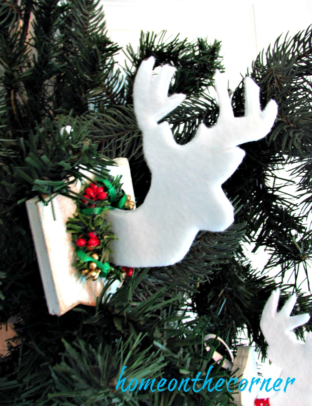 faux-deer-ornament-with-wreath
