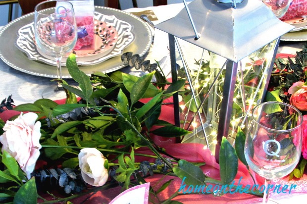 sweet-somethings-valentines-lanterns-and-flowers-centerpiece