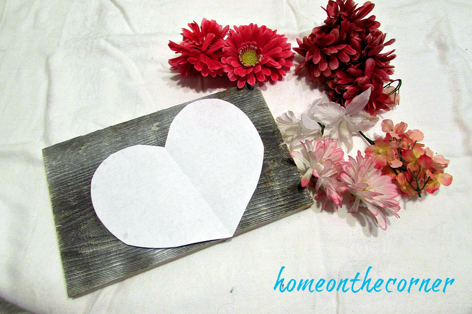 flower-heart-plaque-with-flowers