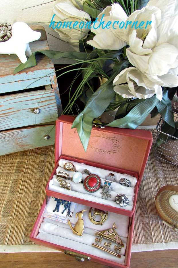 vintage-jewelry-box-makeover-2