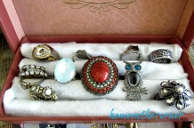 vintage-jewelry-box-rings