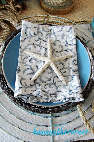 tablescapes 2017 nautical starfish turquoise plate, rattan plate, metal charger