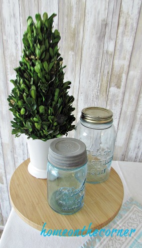 tablescapes 2017 turquoise mason jars and plant