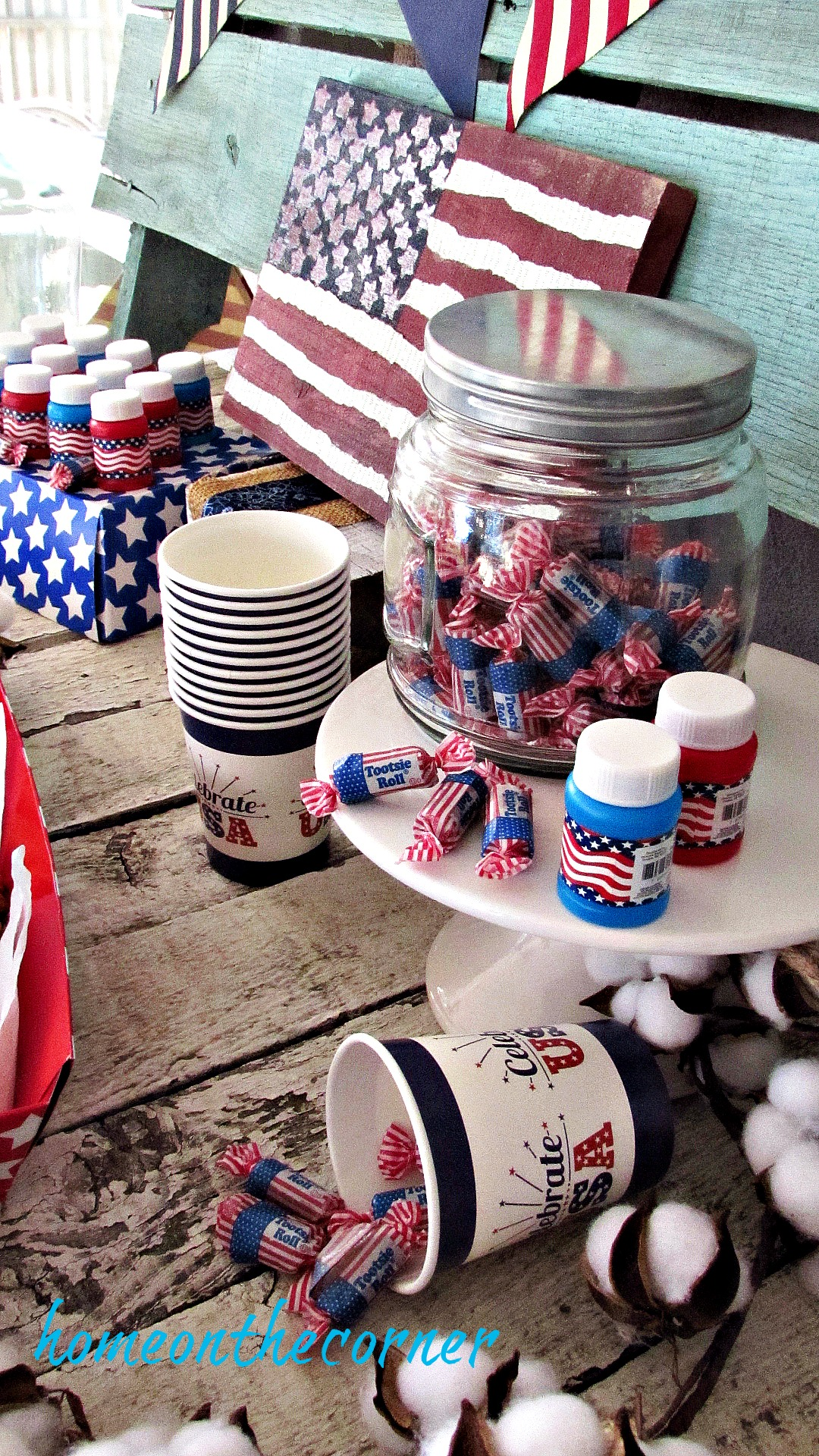 patriotic 4th of july party table