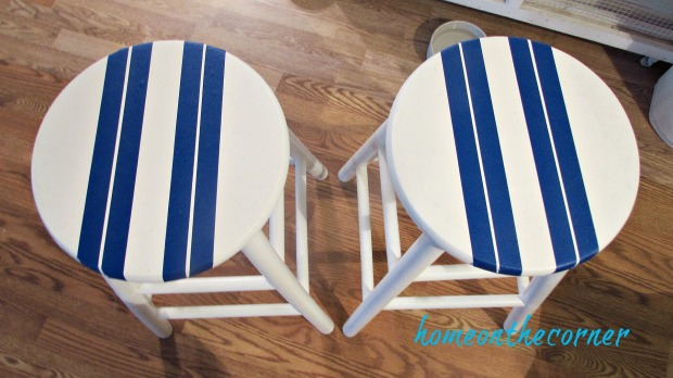 beachy barstools with painters tape