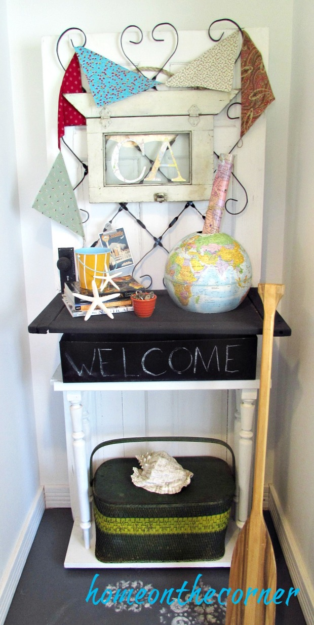 Travel theme entry way