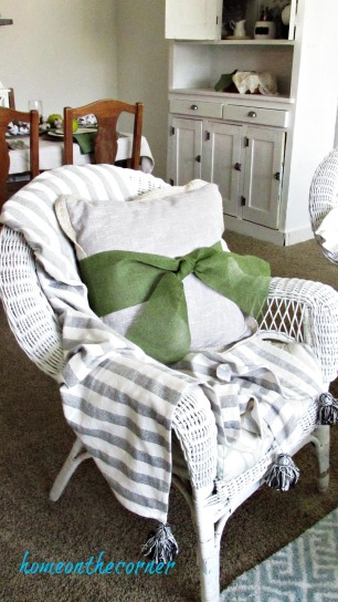 fall 2017 green and black living room green bow pillow