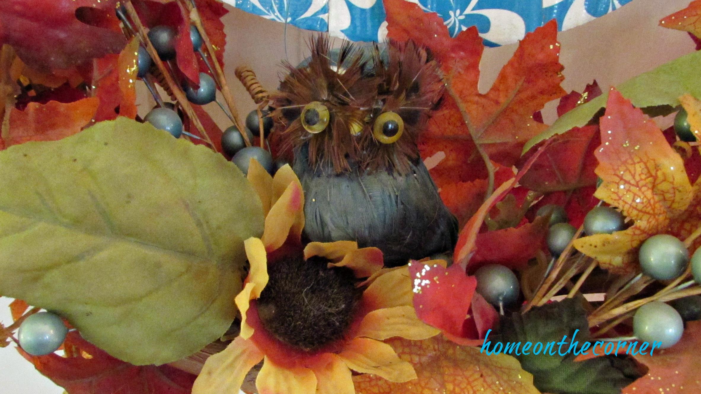 fall family room owl