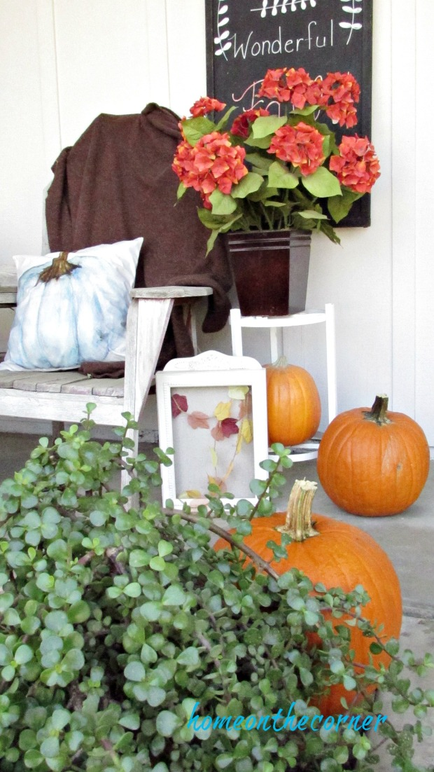 fall porch 2017 pumpkins and leaves