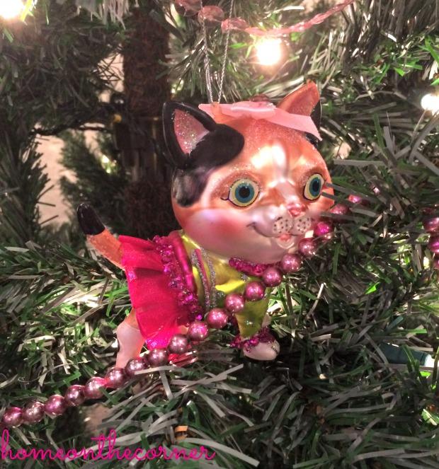 Amelia ornament