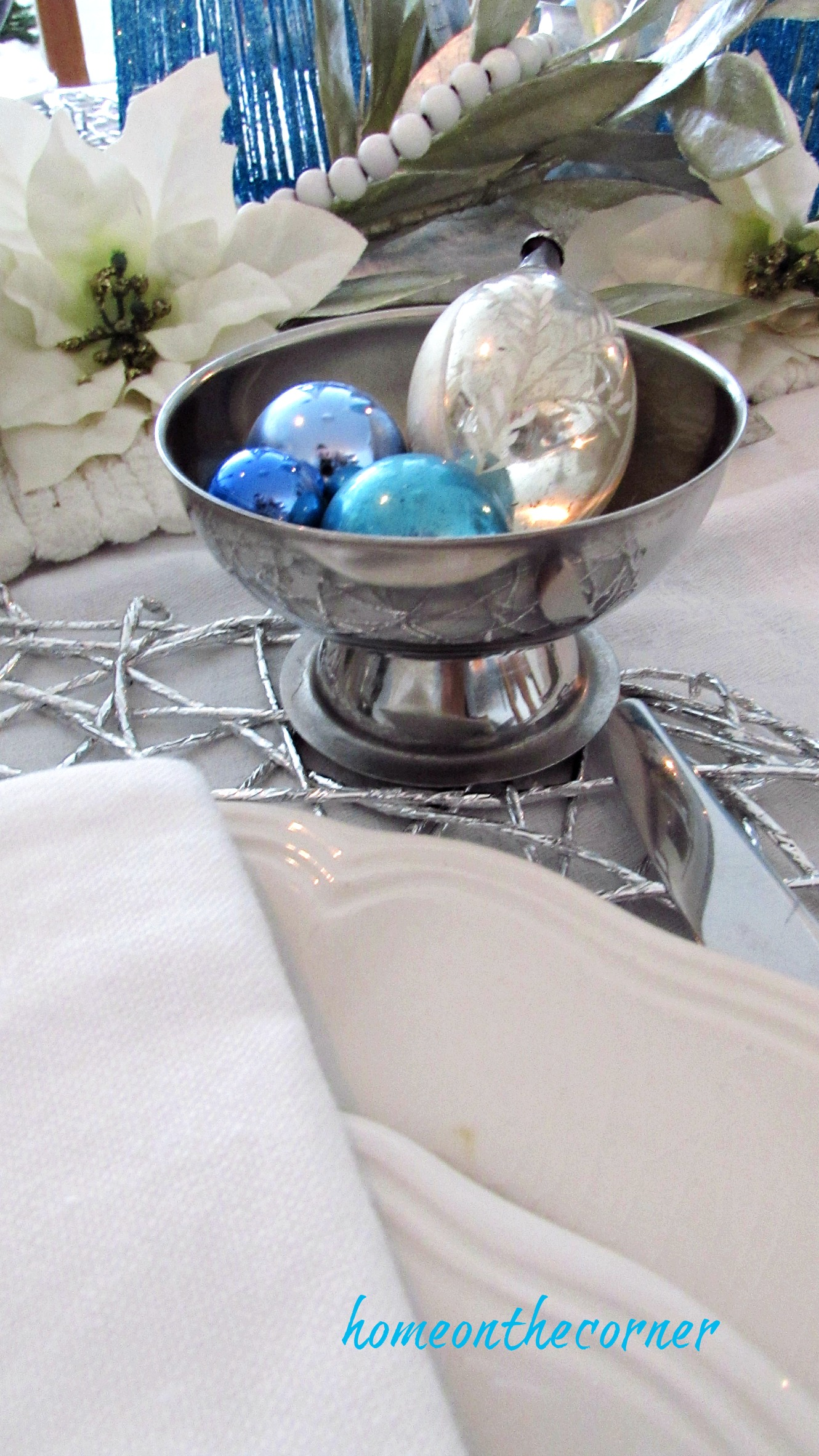 christmas 2017 dining room silver bowl of ornaments