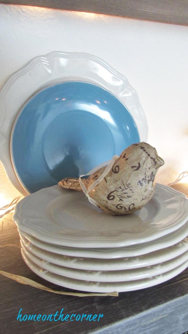 christmas 2017 dining room white plates farmhouse bird