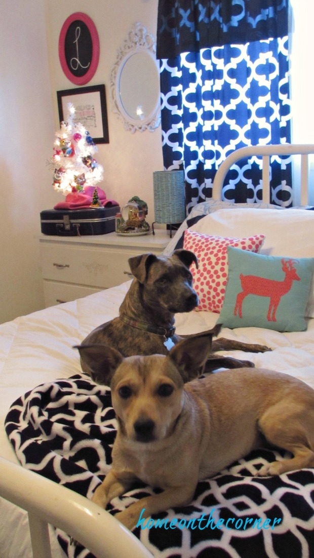 Christmas Guest Room Maggie and Rozy