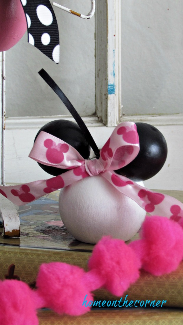 minnie mouse pink bow black ears