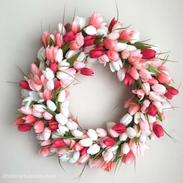 DIY-tulip-wreath-easy-tutorial-coral-peach-tulips1