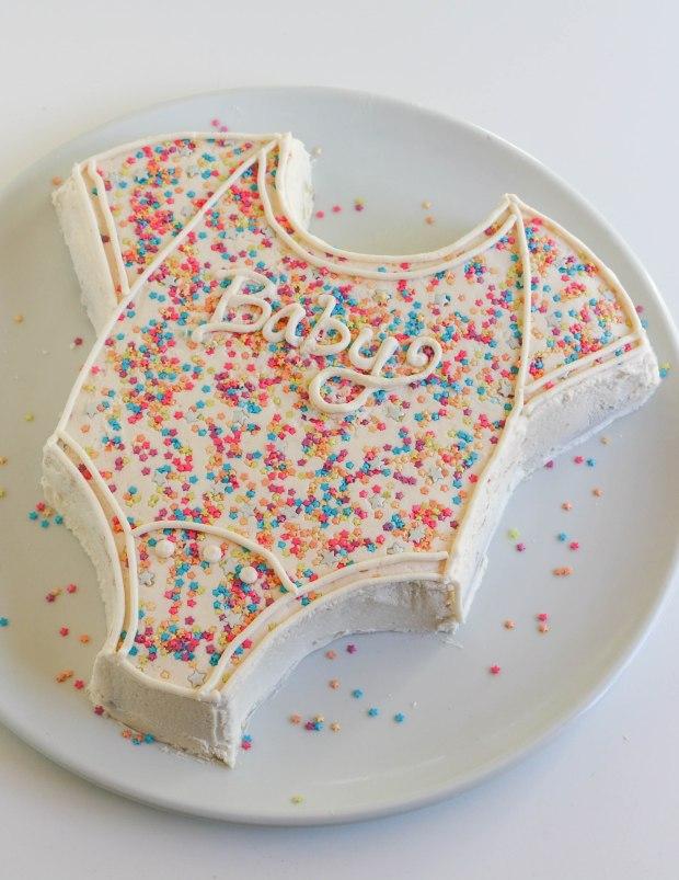 onesie-cake-10.jpg
