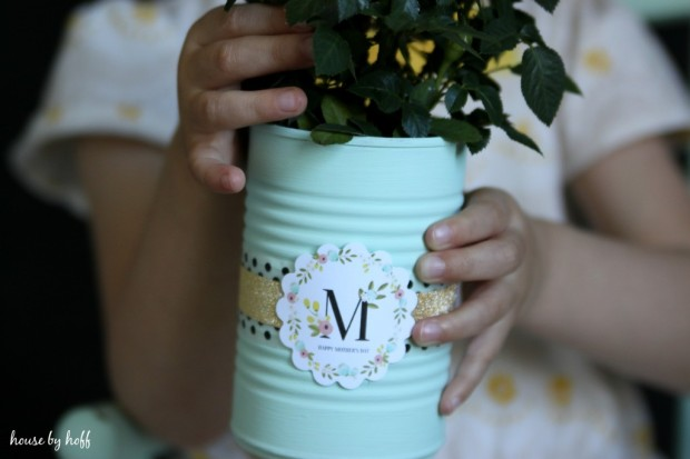 Painted-Tin-Can-Mothers-Day-Gift-via-House-by-Hoff-2-1024x683.jpg