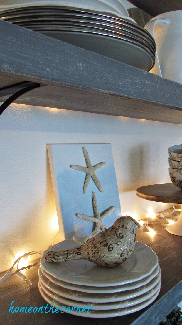 blue and white dining room shelves