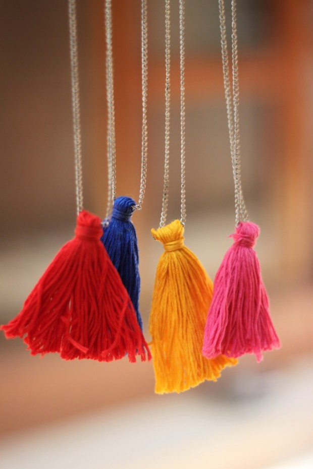 Colorful-Tassel-Necklaces-DIY-682x1024