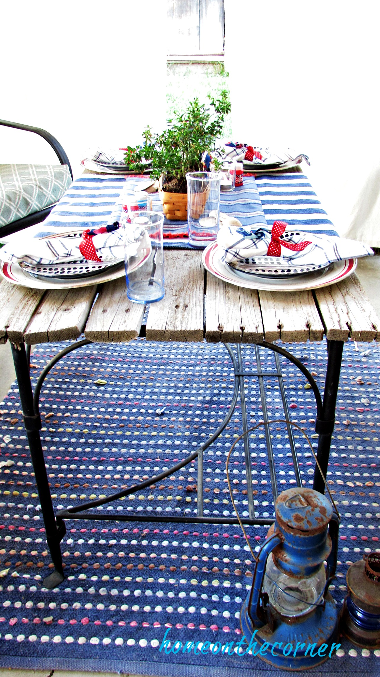 red, white and blue outdoor tablescape