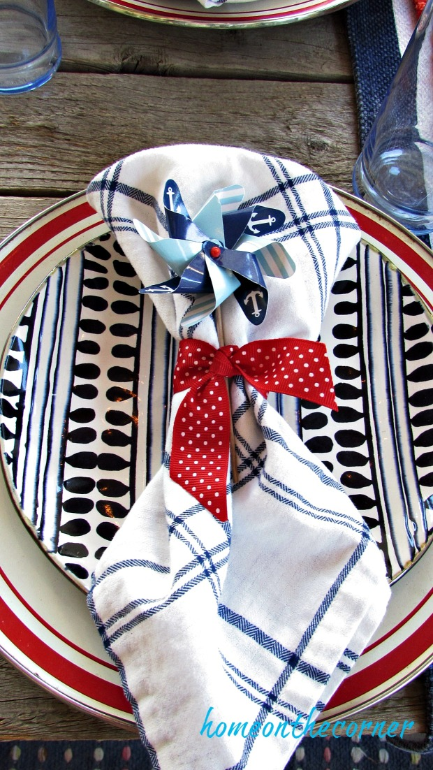 red, white and blue tablesetting blue and white napkin