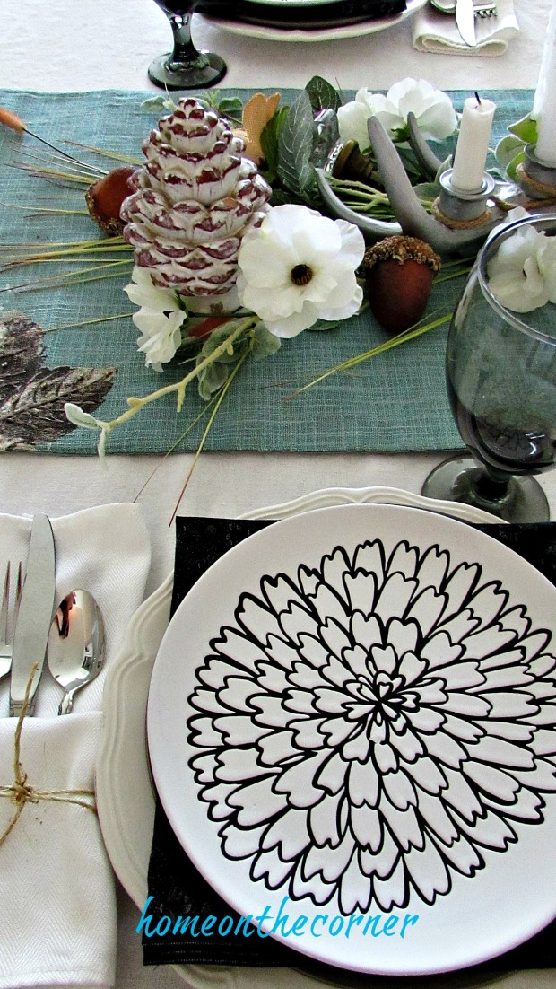 early fall dining room place setting and centerpiece