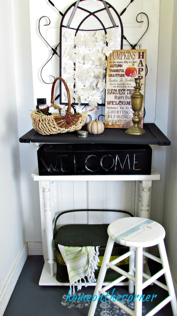 early fall entryway neutrals