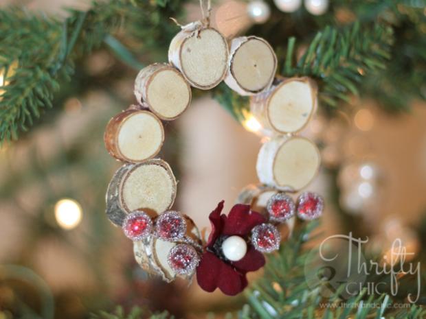 mini woodblock wreath