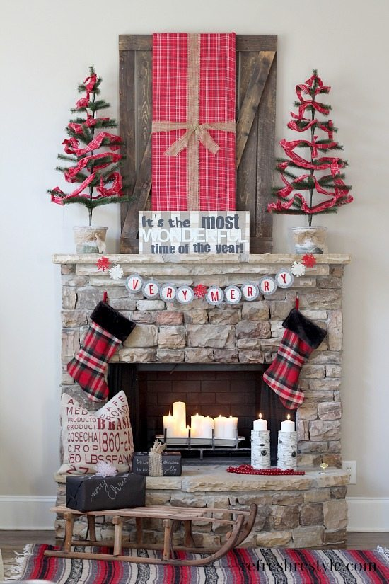 Plaid Christmas-Mantel