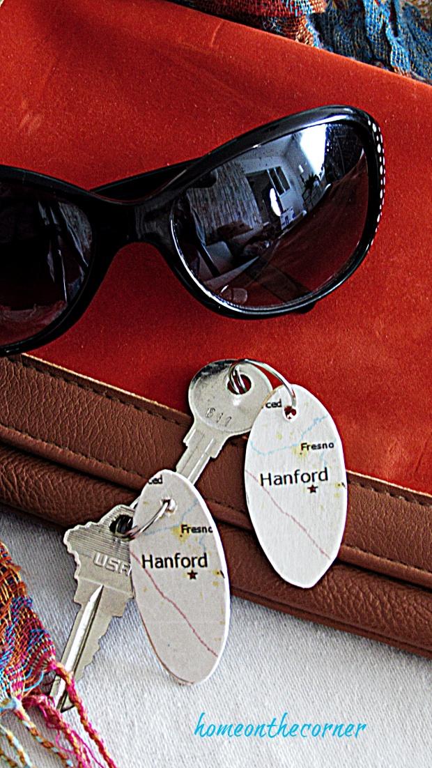 map key chain purse, glasses, keys