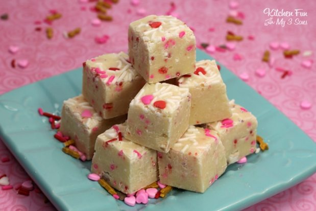 Valentines-Cake-Batter-Fudge2.jpg